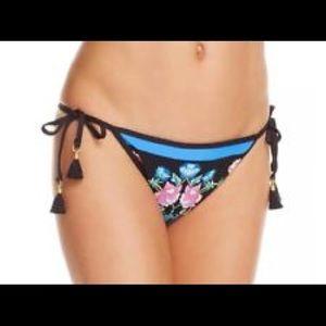 💕 NWT Nanette Lepore Bikini bottoms💕